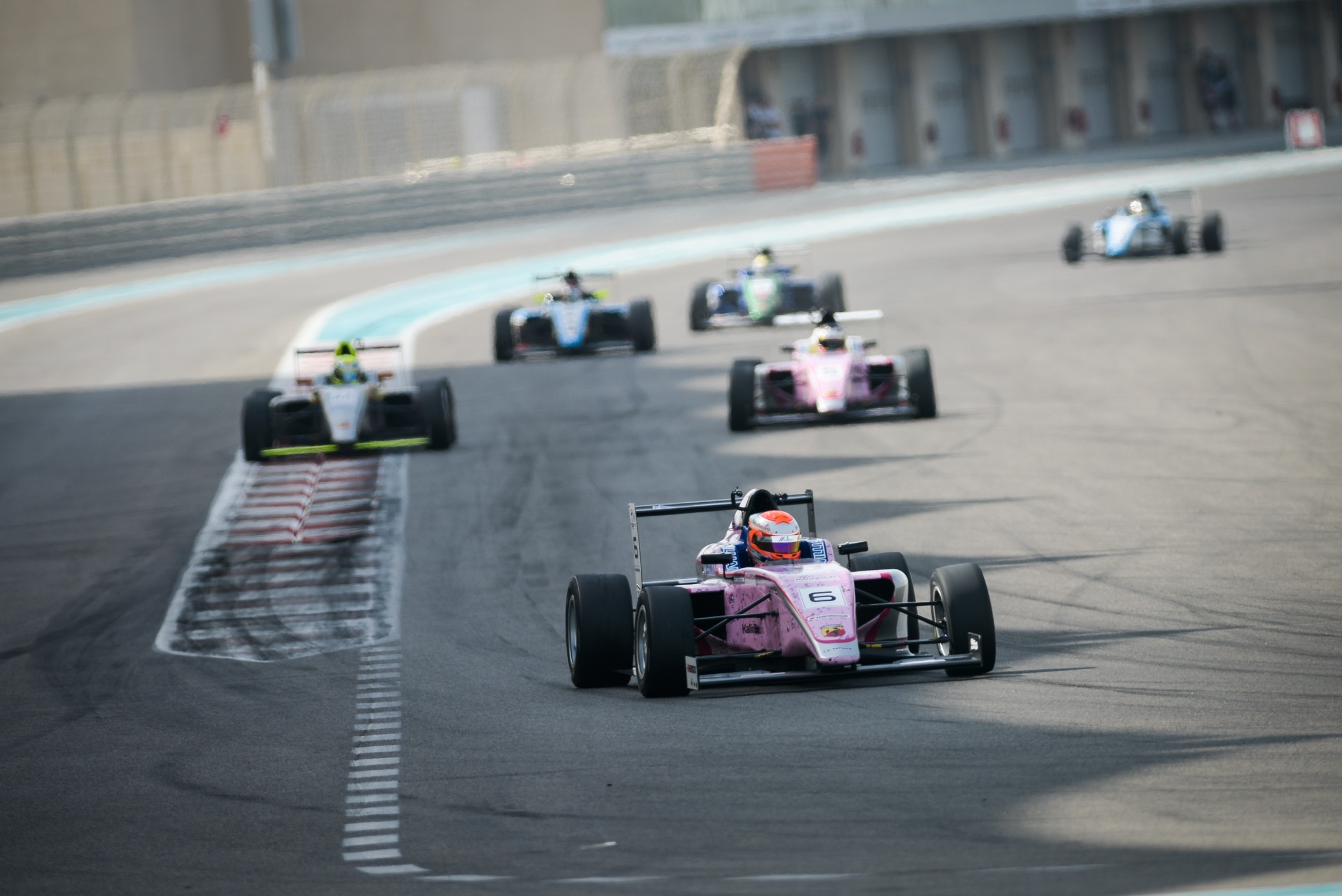 NEW RACE WINNERS CORDEEL AND ALATALO STEP UP AS F4UAE TITLE WILL BE DECIDED AT GRAND FINALE IN DUBAI