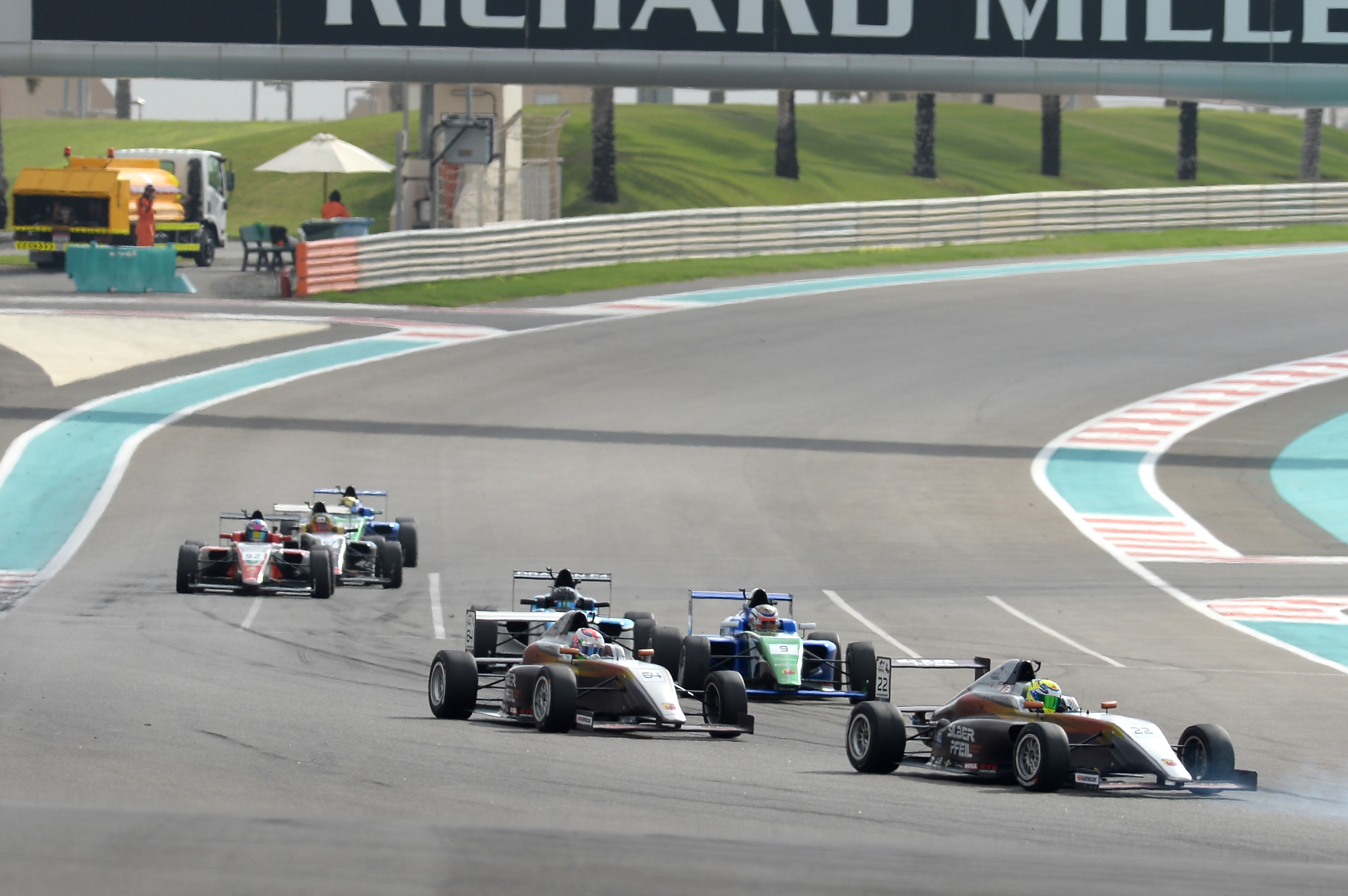 FOUR NEW INTERNATIONAL DRIVERS JOIN F4UAE AT YAS MARINA CIRCUIT