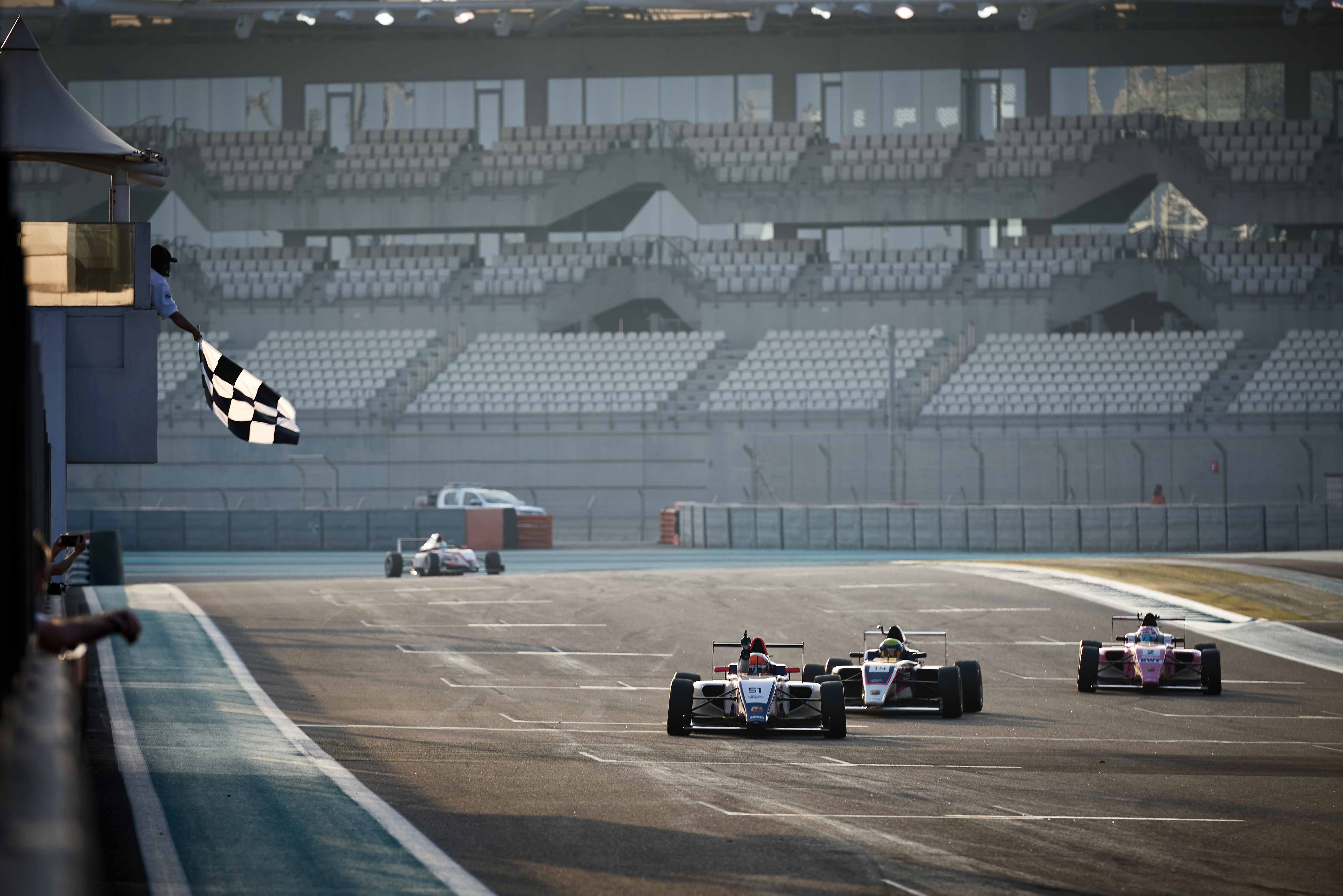 F4UAE2020 Round3 Race 4 Finish