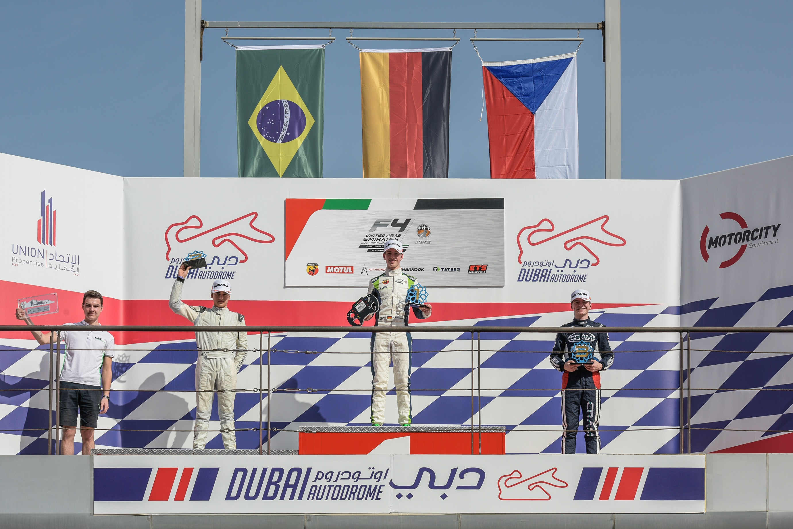 Formula 4 UAE - SCHUMACHER AND KÖHLER BREAK THROUGH FOR MAIDEN OPEN ...