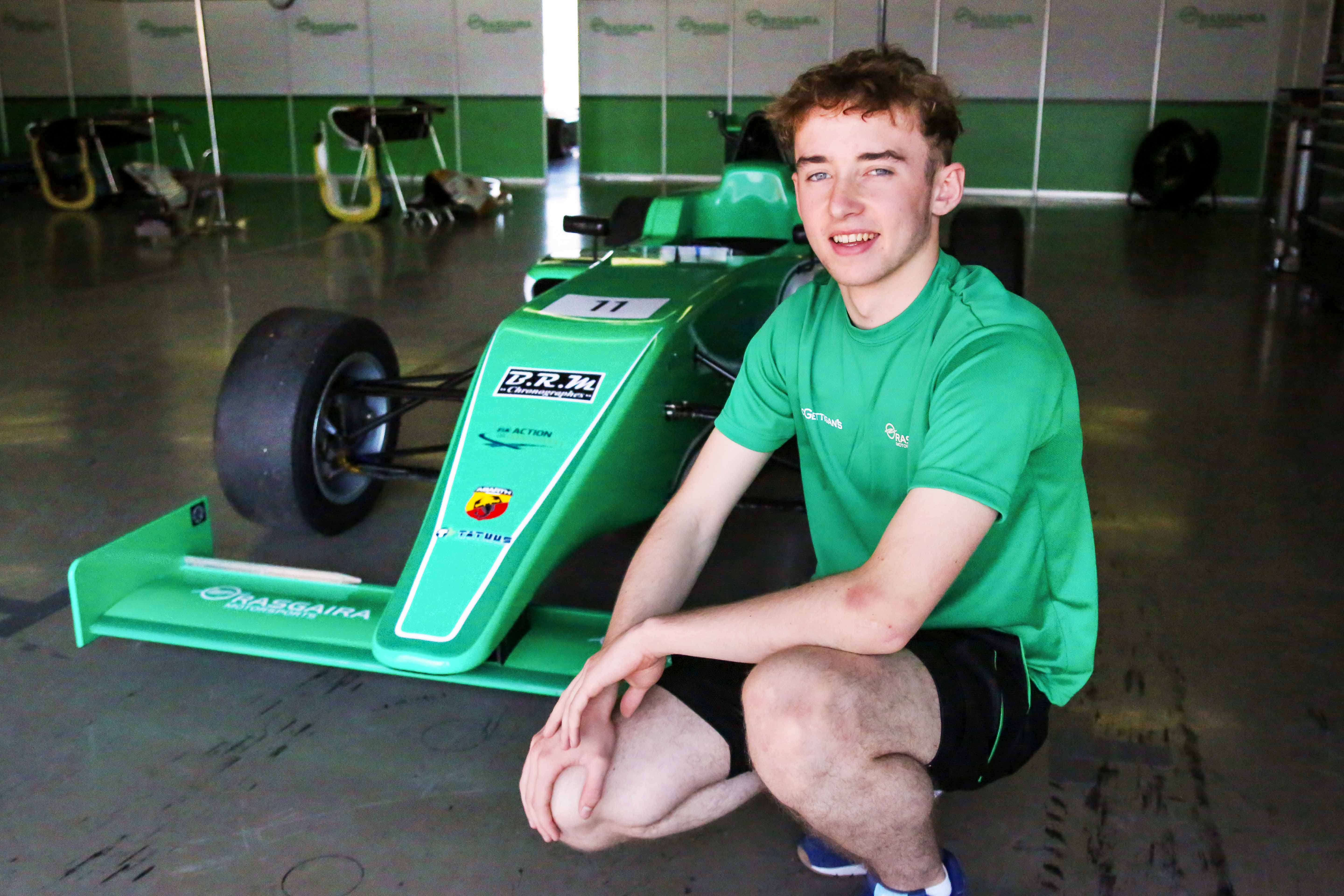 IRELAND'S JAMES ROE JR SIGNED WITH RASGAIRA FOR F4UAE
